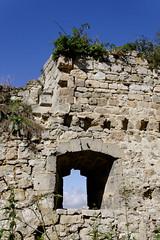 ...d'un ancien... (Ombre&Lumiere) Tags: picardie patrimoine ruines vestiges médiéval aisne châteaufort xiiie