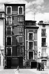 Logrono (Sonia Montes) Tags: blackandwhite bw byn blancoynegro edificios streetphotography ciudad viajes urbana logroo fachada calles larioja byw wwwfacebookcomsoniamontesfotografia