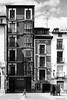 Logroño (Sonia Montes) Tags: blackandwhite bw byn blancoynegro edificios streetphotography ciudad viajes urbana logroño fachada calles larioja byw wwwfacebookcomsoniamontesfotografia
