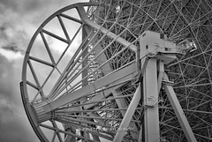 "Radioteleskop Effelsberg • <a style=""font-size:0.8em;"" href=""http://www.flickr.com/photos/7196089@N03/30042839141/"" target=""_blank"">View on Flickr</a>"