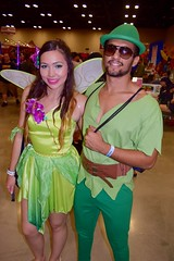 DSC_0010 (Randsom) Tags: alamocitycomiccon sanantonio texas october 2016 cosplay costume halloween fun colorful convention comicbook peterpan wings couple green emerald redlips