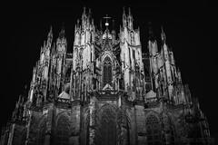 Der Klner Dom (mschroeder_36x24) Tags: kln cologne dom blackandwhite gotik architektur langzeitbelichtung nacht night