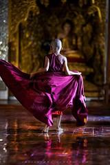_MG_6292-le-18_04_2016_wat-thail-wattanaram-maesot-thailande-christophe-cochez-w (christophe cochez) Tags: thailand thailande maesot watthailwattanaram monk bonze myawadyy myanmar burma burmes birman birmanie religion travel voyage asie asia asian bouddhiste bouddhisme buddhist buddhism