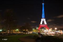 Paris se souviens (MNP[FR]) Tags: baladesparisiennes paristoureiffelbataclan paris memory remember samsung souvenirs hommage bataclan nx1 13 novembre 2015 fluctuat nec mergitur 111315