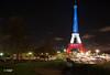 Paris se souviens (MF[FR]) Tags: baladesparisiennes paristoureiffelbataclan paris memory remember samsung souvenirs hommage bataclan nx1 13 novembre 2015 fluctuat nec mergitur 111315
