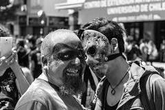 Zombie (Oxkar G) Tags: canon t3 1100 street calle santiago chile blanco negro monocromo exterior zombie personas disfraz