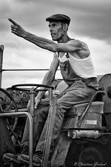 The worker (christian.grelard) Tags: worker tracteur champs campagne mtier bw blackandwhite nb noiretblanc monochrome