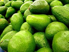 FOOD TIP: How to Pit and Peel an Avocado with Just One Utensil (simplecookingclub) Tags: recipe food cooking foodtips recipes