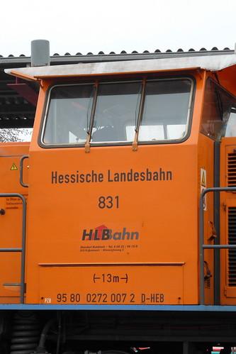 HLB: Anschriften an Lok 831 in Butzbach Ost