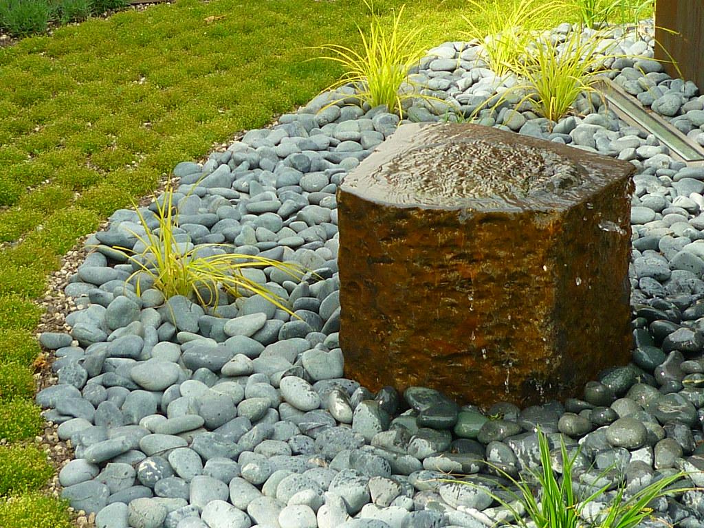 Basalt Quellstein (Jörg Paul Kaspari) Tags: Modern Garden Wasser Jardin  Garten Basalt