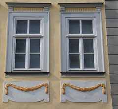 (:Linda:) Tags: germany town garland thuringia pediment hildburghausen wimperg bekrnung verdachung