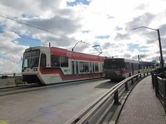 1999 Siemens SD600 #232 & 2001 Siemens SD660 #314 (busdude) Tags: light max siemens rail area express trimet metropolitan lrv sd600 sd660