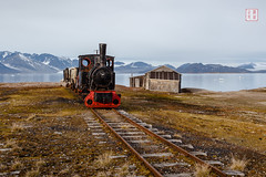 Ny-Alesund Express (Rhapsody-In-Blue) Tags: sky norway landscape wideangle glacier svalbard arctic paysage spitsbergen spitzberg grandangle spitsberg nyalesund