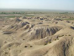 Nippur (APAAME) Tags: archaeology ancienthistory iraq middleeast airphoto oblique aerialphotography aerialphotograph sumerian nippur nufar geocity exif:make=fujifilm camera:make=fujifilm aerialarchaeology geocountry geostate exif:aperture=ƒ56 exif:model=finepixs7000 camera:model=finepixs7000 exif:isospeed=160 exif:focallength=78mm geo:lon=45233333333333 geo:lat=32129166666667 hippareni niffar nuffar pleiades:depicts=912910 geo:location=to321293759244452332421202nippur38sna220548