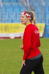 Encouraging (David J. Greer) Tags: world italy woman men championship ultimate tournament junior frisbee championships kaitlyn lecco 2014 lovatt ulti wjuc