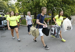 Move In (Vanderbilt University) Tags: usa student unitedstates tn nashville commons freshmen movein firstyear movecrew vuceptors