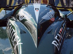 The Bentley view, Wilton House Supercars (Hammerhead27) Tags: 2003 reflection green car rain speed logo point drops view racing winner streamlined shiney six lemans bentley wiltonhousesupercars