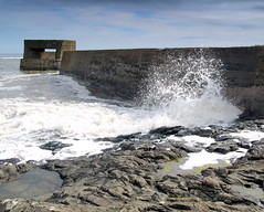 Waves at Craster (Tony Worrall Foto) Tags: county sea docks coast seaside waves village place action north visit location tourist northumberland area splash sunlit northeast costal breakwater craster bythesea 2014tonyworrall crasterharbor crasterdocks
