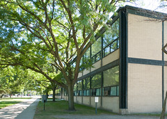 IIT Late Summer 2016 (faasdant) Tags: alumni hall 194546 mies van der rohe architect modern modernism iit chicago illinois institute technology school college brick glass steel
