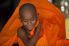 _MG_4428-le-17_04_2016_wat-thail-wattanaram-maesot-thailande-christophe-cochez (christophe cochez) Tags: burmes burma birmanie birman myanmar thailand thailande maesot myawadyy monk bonze novice religion watthailwattanaram travel voyage bouddhisme buddhism portrait
