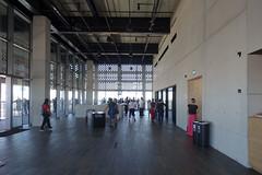 Tate Modern, Switch House 10, London by Herzog & Meuron (Iqbal Aalam) Tags: herzogdemeuron tatemodern artgallery competitionwinner oldpowerstation oldoiltanks switchhouse bankside banksidepowerstation circularstairs herzogmeuron