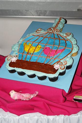 42-polkatots cupcake cakes