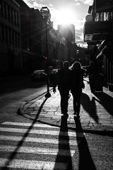 Les passants du Vieux-Québec (www.sophiethibault.ca) Tags: ombres ruelle 2016 novembre passants québec sélectiondecouleurs bw