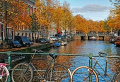 The Singel Canal, Amsterdam Netherlands (PhotosToArtByMike) Tags: singel amsterdam netherlands singelcanal dutch holland canalhouse bikes boats canalring grachtengordel