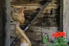 Val d'Aosta - Valle di Gressoney: Perloz, Chemp (mariagraziaschiapparelli) Tags: valdaosta valledigressoney camminata escursionismo allegrisinasceosidiventa montagna mountain sculture perloz chemp villaggio frazione