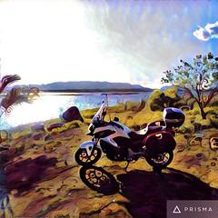 Nosso amigo e integrante do #MotocandoSemFronteiras @wagnerpe , nas margens do Rio São Francisco com sua #nc750x ! #velhochico #riosaofrancisco #adventure #travel #pauloafonso #bahia #mototravel #motocamping #camping #fotododia #honda #motoadventure #turi
