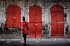 camaleònica (Kaobanga) Tags: camaleònica chamaleonic vermell rojo red portlouis illamaurici islamauricio îlemaurice mauritius canon5dmarkii canon5dmkii canon28300 28300 canon28300mm kaobanga