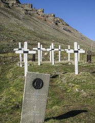 20090710-TRIP-Spitsbergen-Norway-R-0042_Cemetery (djstirz) Tags: 2009 arctic arcticcircle peregrine spitsbergen expedition ice polar polarbear walrus