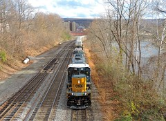 CSX 4332 (2) (Trains & Trails) Tags: csx emd rebuilt sd403 train railroad engine locomotive diesel transportation connellsville yn3 pennsylvania darkfuture fayettecounty standardcab 4332