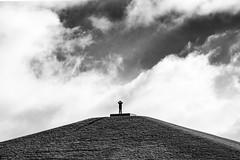 Gipfelstürmer (Ralf Barenbruegge) Tags: berg gronau münsterland münsterlandgiro pyramide