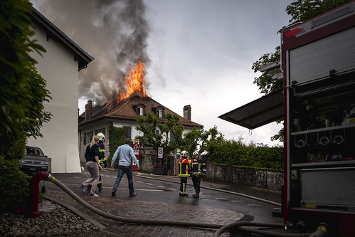 Fire caused by a lightning strike, Bougy-Villars