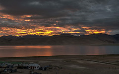 Sunrise on Tso Moriri Lake (Fil.ippo) Tags: sunrise alba tsomoriri lake lago waterscape landscape panorama ladakh india filippo filippobianchi d5000 travel