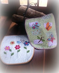 JgS. De BaNhEiRo (DoNa BoRbOlEtA. pAtCh) Tags: flowers flores bird butterfly handmade pássaro application applique borboletas aplicação quiltlivre jogodebanheiro bordadoàmão donaborboletapatchwork denyfonseca