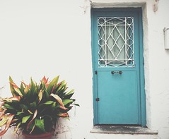 (Vallelitoral) Tags: street door old house plant cute planta vintage design casa calle nice andaluca spain arquitectura puerta style retro arquitecture tarifa lightblue celeste iphone flickraward iphonegraphy