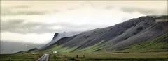 Sur la route (JardinsLeeds) Tags: voyage trip travel iceland islande montagnes