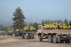 Washington National Guard (The National Guard) Tags: wild soldier army fire us support military guard national nationalguard mission soldiers ng firefighting firefighter guardsmen troops wildfire usarmy response guardsman respond