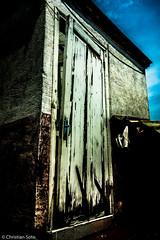 (http://sotochristian2.500px.com/) Tags: door sky bw black home cat photoshop vintage mexico casa puerta outdoor 28mm gato cielo 18 drama hdr lightroom splittoning sonyrx100