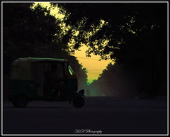 Time to return (abhraabirky) Tags: a2k a2kphotography abhra asia karnataka blr bangalore return dusk yellow