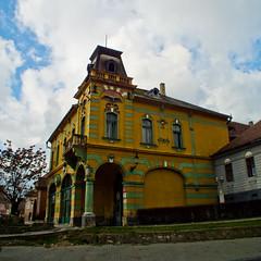 Cafe-Bar (Raoul Pop) Tags: mansard historic arches house architecture windows fall structure corner medias transilvania romania ro