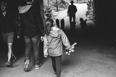 A stroll through Central Park, NYC (L A Nolan) Tags: 35mm 35mmf2 50mmequiv bw balloon blackandwhite centralpark child day fuji fujifilm fujifilmxpro2 fujinon fujinonxf35mmf2 manhattan monochrome newyork newyorkcity newyorknewyork ny nyc outdoors outside park thebigapple uppereastside xpro2