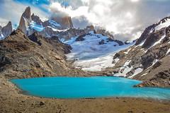 el abrazo de la nube (Luis_Garriga) Tags: chalten nube lago laguna glaciar hielo cielo fitzroy parquenacional losglaciares santacruz argentina