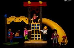 Diversiones (Jotha Garcia) Tags: juguetes toys december 2016 diciembre park parque jothagarcia nikond3200 play juego playmobil muñecos dolls diversion fun funny
