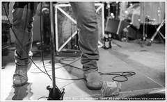 Cosmic Psychos @ Vera Mainstage (Dit is Suzanne) Tags: 17072016 img0165 nederland netherlands   groningen ditissuzanne canoneos40d sigma30mmf14exdchsm veraclub cosmicpsychos mudhoney concert gig  availablelight beschikbaarlicht zwartwit blackandwhite  stroopwafels rockrollshoes views50