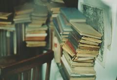 11.2016 (nnnnikt) Tags: book books antiqueshop film