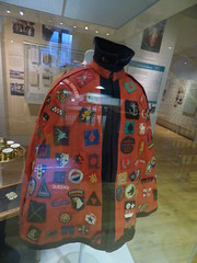 The Jewish Museum - Albert Street, Camden Town, London - jacket with badges sewn into it (ell brown) Tags: camden london greaterlondon england unitedkingdom greatbritain camdentown londonboroughofcamden jewishmuseumlondon thejewishmuseum raymondburtonhouse albertst albertstcamdentown 129131albertst 123139albertst jacketwithbadgessewnintoit