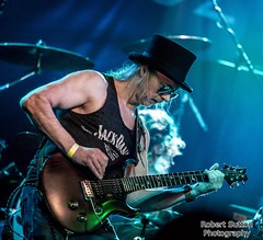 IMG_0679_001 (RobertSuttonPhotography_) Tags: dirtyshoes heavymetal hardrock